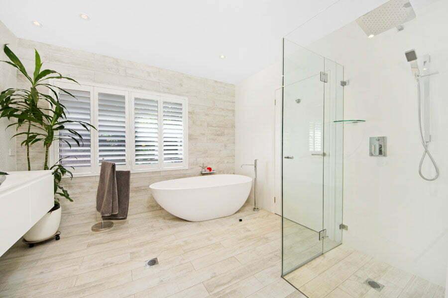 Cronulla Room Full bathroom